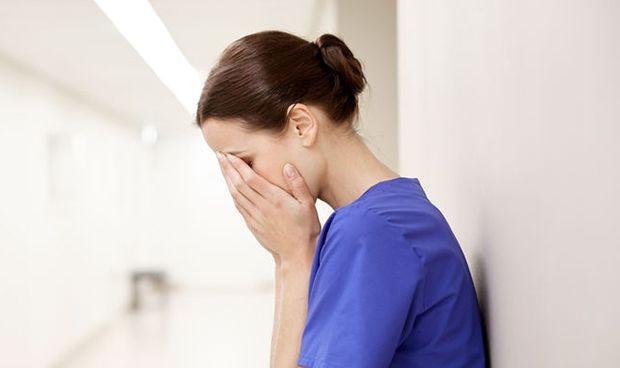 Enfermería no puede más: la crisis ha 'quemado' al 40% de las profesionales