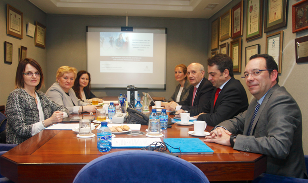 Enfermería se cita con el Ministerio de Sanidad (polaco)