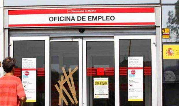 EPA: La sanidad española fichó 17.000 profesionales para iniciar el verano