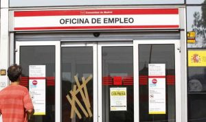 EPA: la sanidad española manda al paro a 8.500 mujeres en tres meses