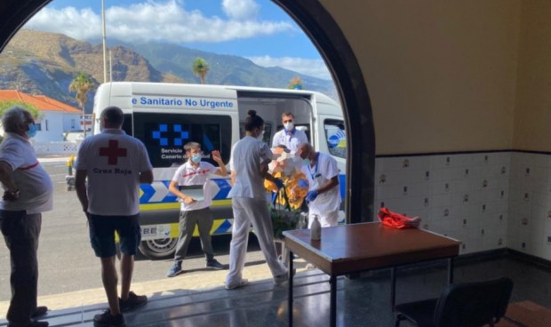 Equipos sanitarios atienden a 50 personas con movilidad reducida evacuadas