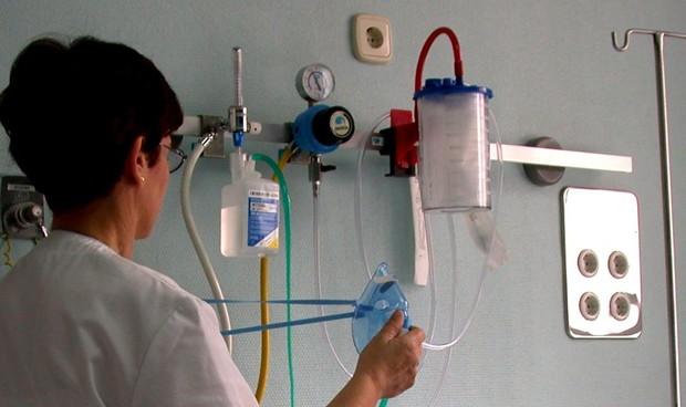 """Es """"radicalmente imposible"""" que las CCAA cubran """"siniestros"""" enfermeros con medicamentos"""