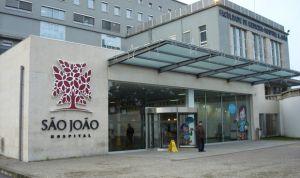 Escándalo en Oporto por dar 'quimio' a los niños en el pasillo del hospital