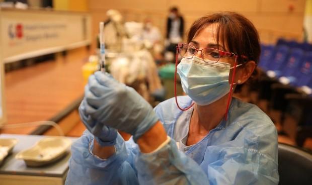 España acumula más de 77.000 sanitarios que han rechazado la vacuna Covid