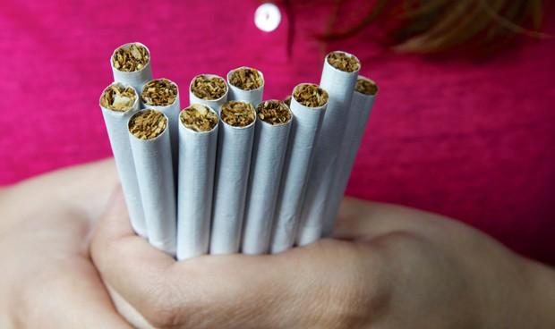 España carece de un desarrollo legislativo suficiente frente al tabaquismo