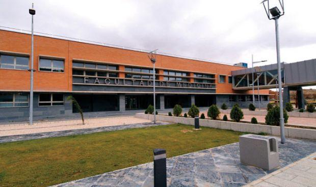 España mete 4 ciudades entre las más baratas del mundo para hacer Medicina
