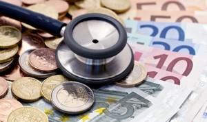 España paga a sus médicos 5 veces menos que EEUU y la mitad que Alemania