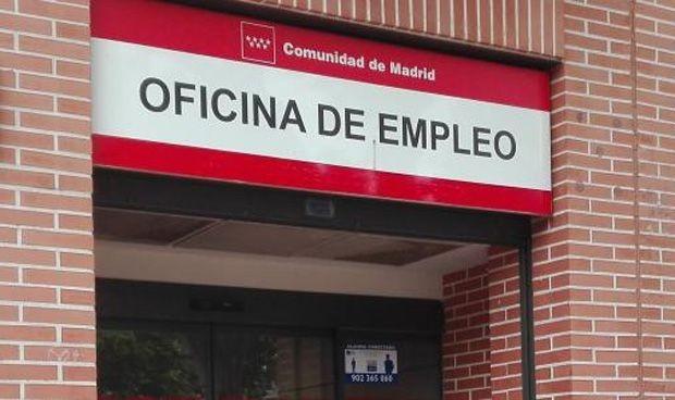 España recibió la tercera ola de Covid con un recorte de 24.000 sanitarios