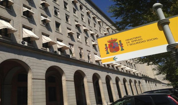 España registra la muerte de un sanitario en accidente laboral cada 23 días
