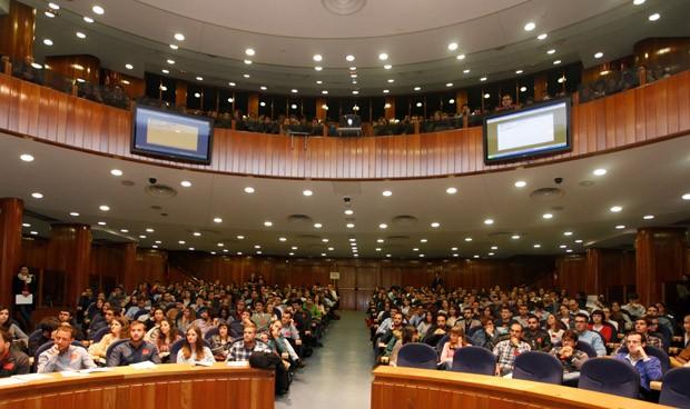 Estas 4 CCAA aglutinan el 60 por ciento de los MIR en la sanidad española