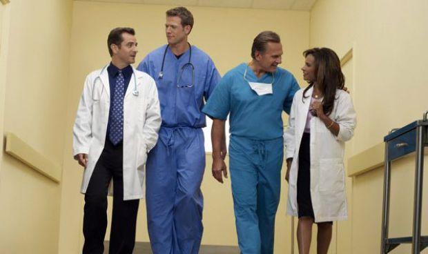 Estereotipos médicos: el pediatra es 'divertido' y el cirujano un 'chulo'