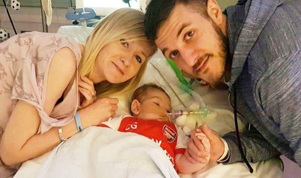 Estrasburgo aprueba desconectar a un bebé en contra del deseo de los padres