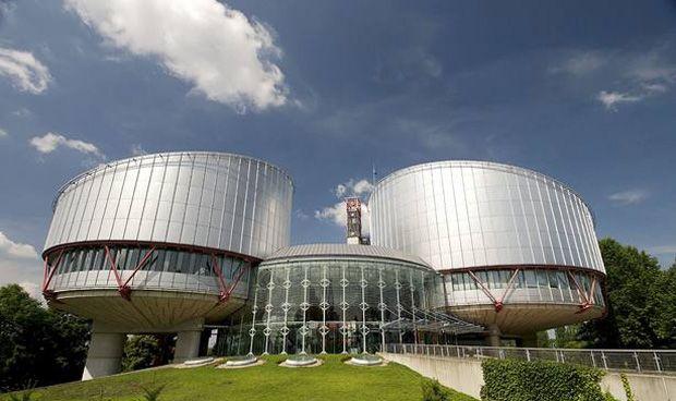 Europa falla que equiparar aborto y Holocausto no es libertad de expresión