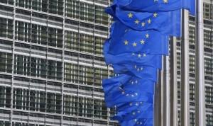 Europa publica el primer contrato millonario de dosis de vacunas Covid