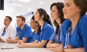 Examen MIR: las mujeres dejan 10 preguntas sin responder, los hombres 9