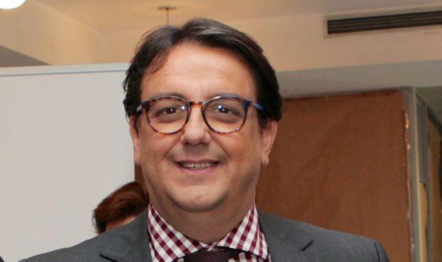 Extremadura oficializa el pago de la carrera a médicos y enfermeros