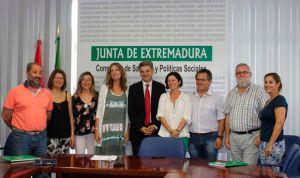 Extremadura pacta convocar oposiciones al SES cada dos años