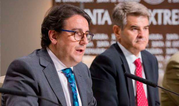 Extremadura universaliza el tratamiento contra la hepatitis C