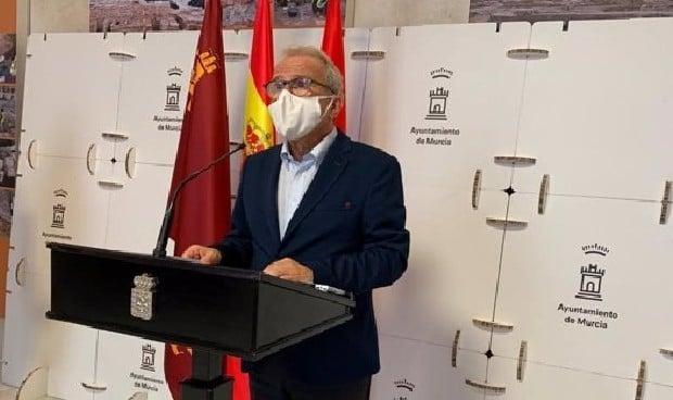 Dimite el concejal de Salud de Murcia por saltarse el turno de vacunación