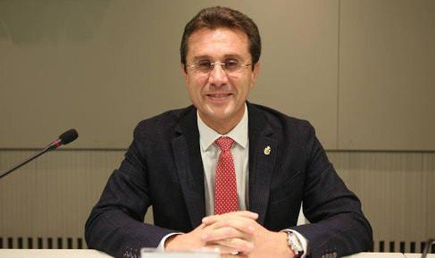 """Fernández Parra: """"Los médicos de Granada queremos ser líderes de opinión"""""""
