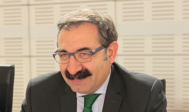 Fernández pide al SNS priorizar la formación de pediatras