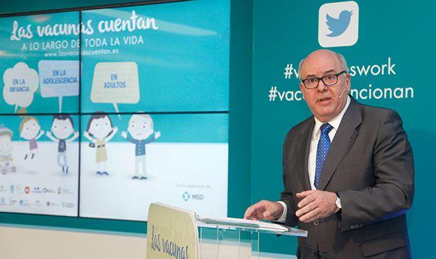 """Fernández: """"Todos los agentes sanitarios tenemos que formar en vacunación"""""""