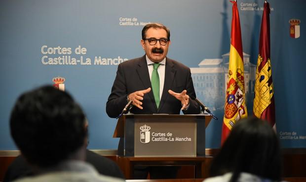 """Fernández: """"Toledo ha llegado al máximo de utilización de sus quirófanos"""""""
