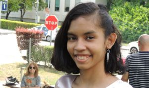 Final feliz para Andrea: La Paz cura el tumor que la desahució en su país