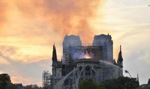 Francia detecta inhalación de plomo en niños por el incendio de Notre Dame