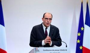 Francia sancionará a sanitarios no vacunados a partir del 15 de septiembre