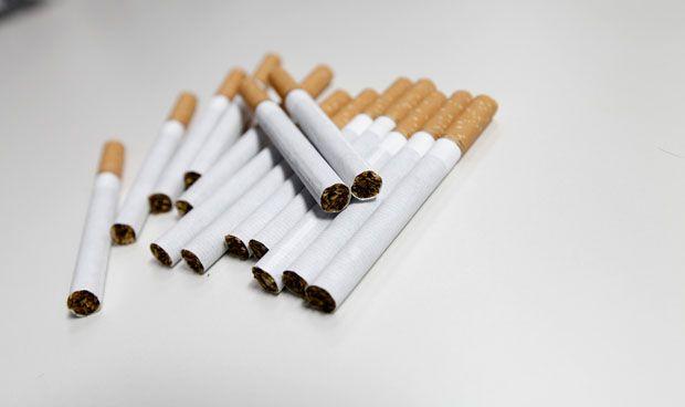 Fumar un cigarro al día provoca la mitad del riesgo de fumar 20