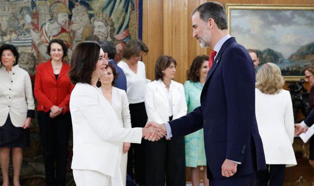 GALERÍA / Carmen Montón protagoniza la toma de posesión ante el rey Felipe