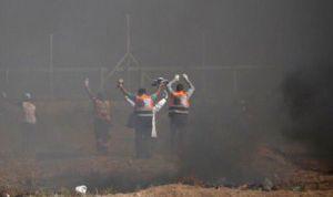 Gaza: 1 sanitario muerto y 221 heridos,  la foto que demuestra su valentía