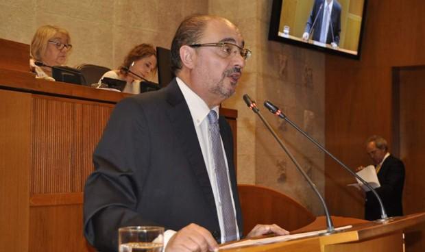 Gobierno y oposición maniobran para convocar otras 1.483 plazas sanitarias