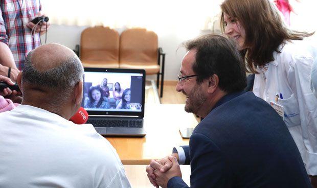 Guadarrama implanta videollamadas para curar la soledad de los pacientes