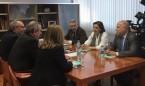 """Guillén se reúne con el PSOE en busca un """"gran acuerdo"""" por la sanidad"""
