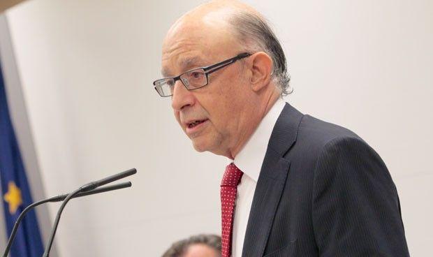 Hacienda ultima un decreto que exime de tributación a la formación médica