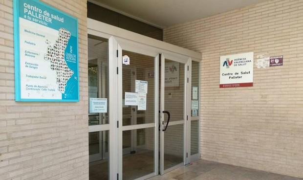 Hallan un cadáver en los baños de un centro de salud de Castellón