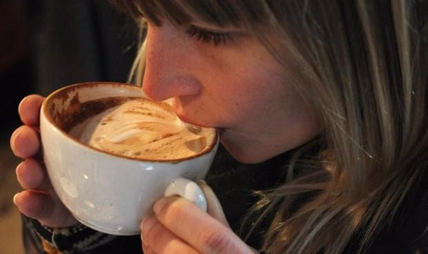 Hasta 3 tazas de café al día reducen el riesgo de accidente cerebrovascular
