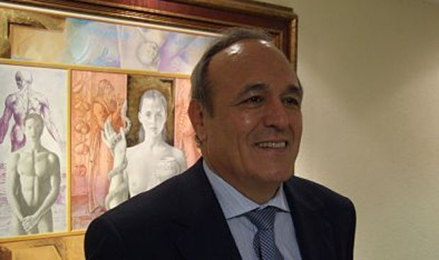 Herranz cede el testigo tras 16 años presidiendo a los médicos de Castellón