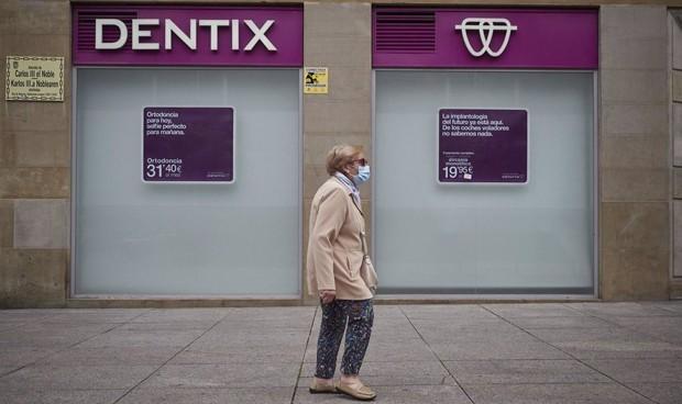 Desconvocada la huelga a Dentix tras comprometerse a pagar los salarios