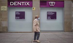 Huelga indefinida en Dentix hasta que abonen las nóminas de los empleados