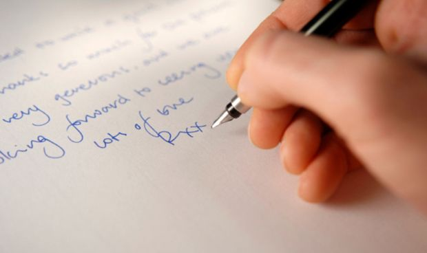 Humor viral: por qué es más difícil escribir cartas de amor si eres médico