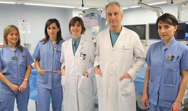 Implantan el primer corazón artificial completo en un ser humano en España