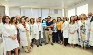 Implantan el primer desfibrilador sin cables en tumor cardiaco a un niño