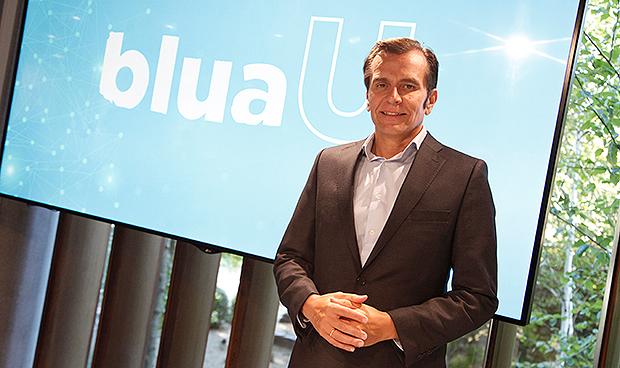 Primera comparecencia como CEO de Sanitas para presentar BluaU