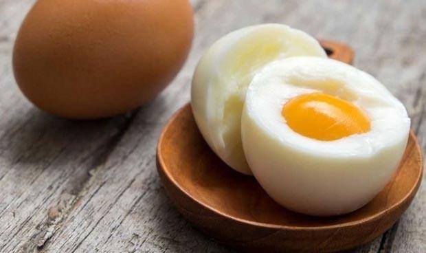 Incorporar cacahuete y huevo en lactantes previene futuras alergias