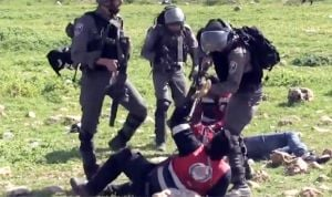Increíble: así tratan los soldados israelíes a los médicos en Gaza