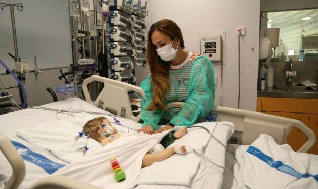 Innovador trasplante en el Vall d'Hebron: un mismo hígado para dos niñas