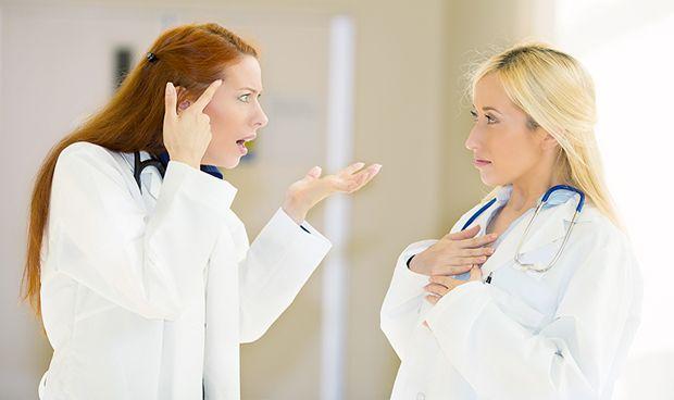 Insultar a compañeros o robar al hospital, efectos del 'bullying' enfermero